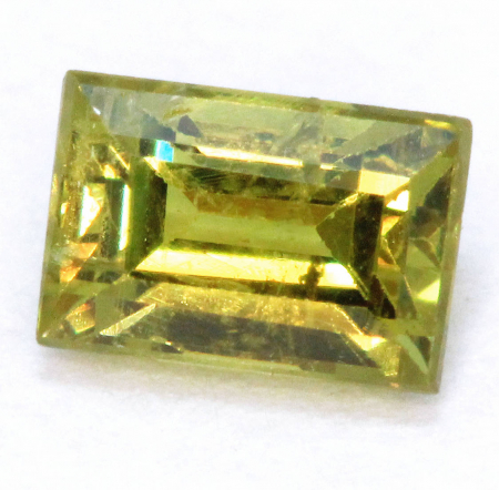 Demantoid mit 0.26 Ct