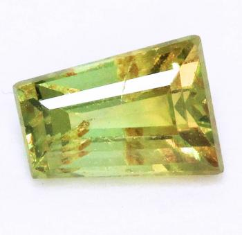 Demantoid mit 0.30 Ct